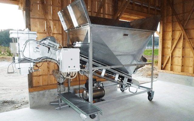 Simple packing machine